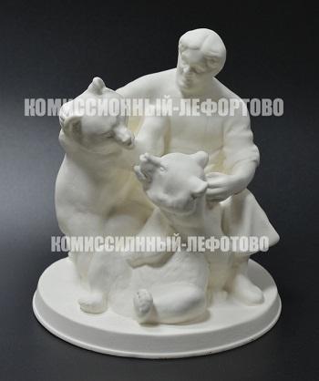 статуэтка «дрессировщик Гладильщиков» скульптор Воробьёв Б.Я.