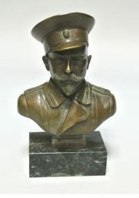 бюст Деникин А. И. скульптор D. Jamet 1939 г