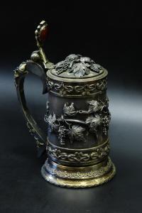 пивная кружка серебро 925 пробы, вставка на крышке кабашон сердолика.