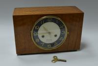часы настольные янтарь, период ссср 1950 - 60 гг.
