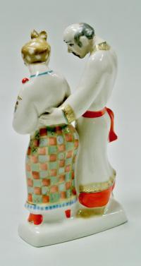 фарфоровая скульптура «В гостях у Солохи», период ссср 1985 год.