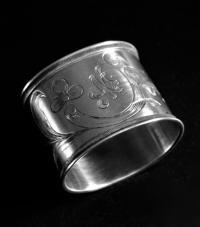 Кольцо салфеточное серебро 84.