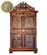 шкаф-буфет в стиле ренессанс с навершием в виде орла, франция XIX век.