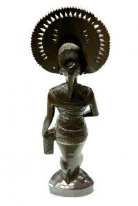 скульптура женская этническая, остров Бали