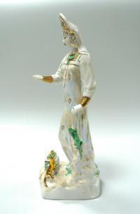 статуэтка «Дары хозяйки Медной горы» дулёво, период ссср 1997 год.