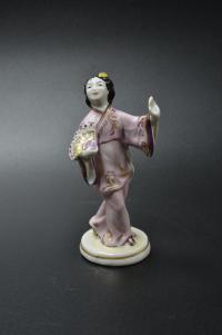 статуэтка «Китаянка с веером» гжель, период ссср 1950 гг.
