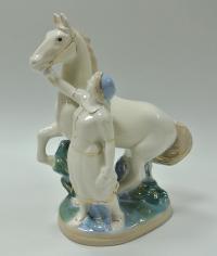 статуэтка «Колхозница с конем» Гжель, период ссср 1950 - 1960 гг