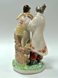 статуэтка «Несёт Галя воду» киевский фарфор, современная украина 2000 гг.