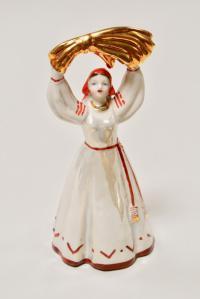 статуэтка «Женщина со снопом» дулево, период ссср 1968 год.